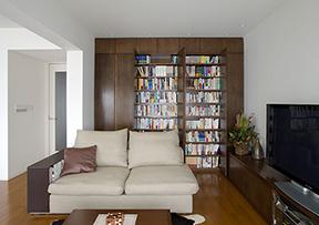 1.目的に応じて3つに分類、本棚をすっきり納める