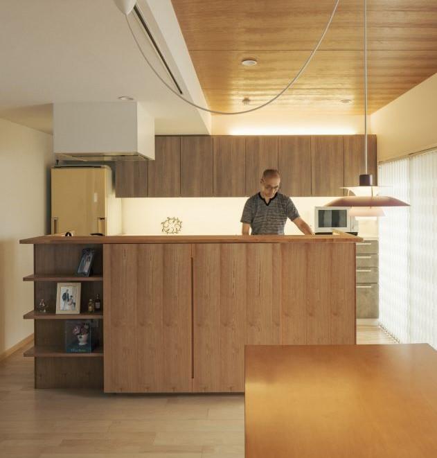 背の高いキッチンカウンター